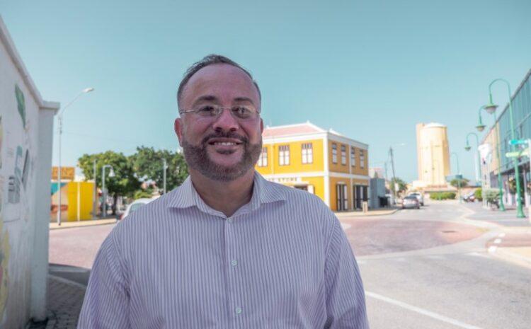 Aruba tin un Minister di Finansas cu no ta compronde e materia