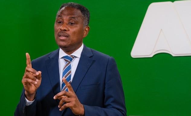Awor si ta ora pa Minister Bikker  sigui conseho di Parlamentario Bikker y retira