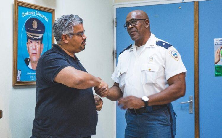 Robert Candelaria na Cuerpo Policial: Bon trabou!