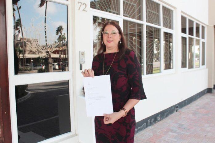 Gobierno mester stop politikeria den  suministracion di vacuna