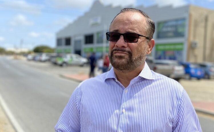 Fraccionnan di gobierno a aproba 30 miyon florin pa Minister Oduber malgasta
