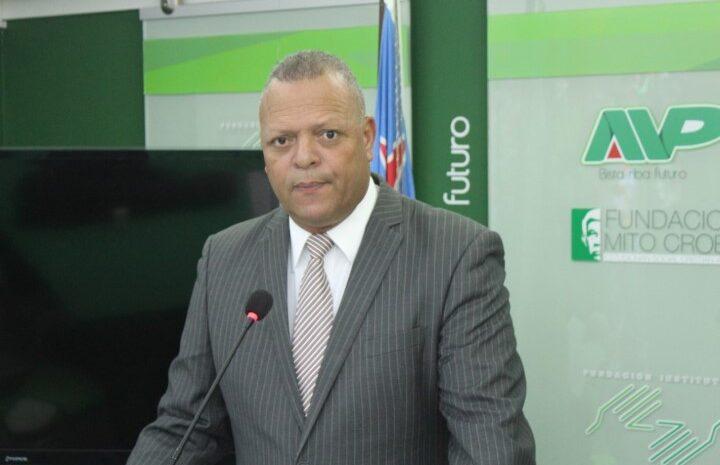 Aruba tin un gobierno cu parce un 'puzzel' cu falta hopi piesa