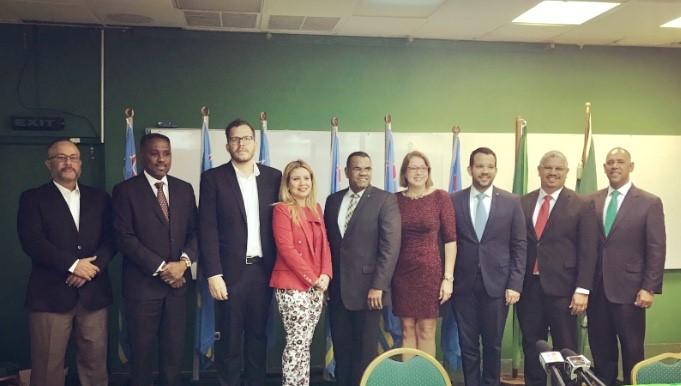 Fraccion di AVP ta felicita den luna di Juli e comunidad Venezolano, Colombiano y Peruano residencia na Aruba