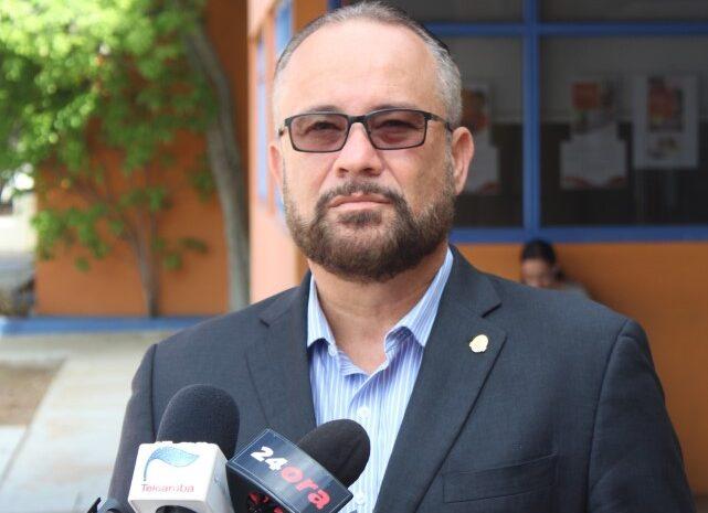 Prome Minister tin 50 compania interesa den refineria Pero ta bira pone refineria riba un tipo di 'vraag en aanbod'
