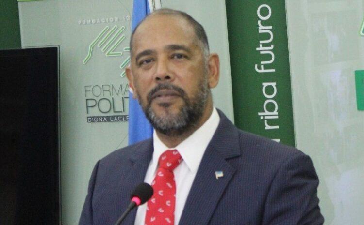 Oficina Wever-Croes- Ruiz previlegia cu trabou di companianan cu ta cay bou Prome Minister