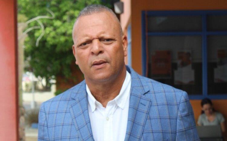 Unico cuponan di trabou di gabinete  MEP tabata den Cocolishi pa famia y amigo