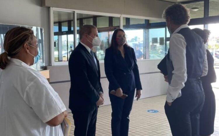 Gabinete Wever-Croes ta pone cuido medico di Aruba den peliger