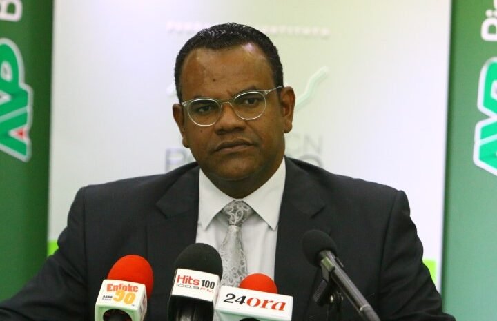 Pa incapacidad di Prome Minister deficit di WEB ta den miyones di florin caba