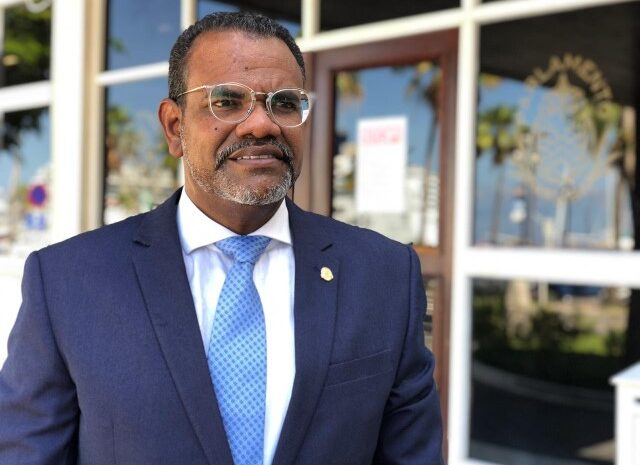 Futuro di 97 werkster ta den man di Minister Rudy Lampe