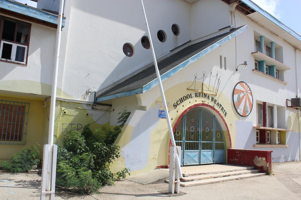 A inicia campaña pa scapa edificionan monumental di Juliana y Beatrixschool